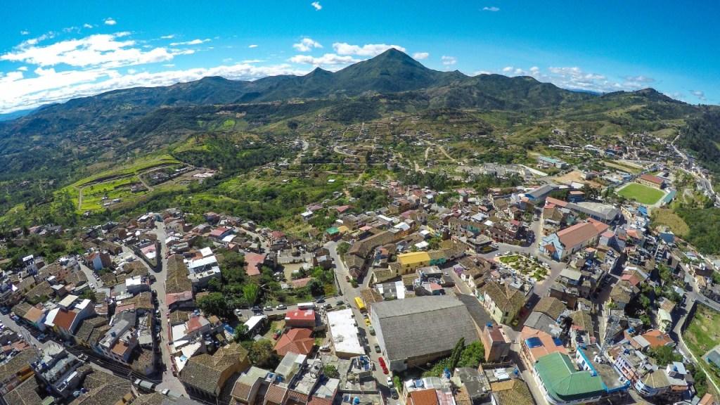 La ciudad de Catacocha, cabecera cantonal de Paltas, se levanta en un sitio estratégico de la provincia de Loja.