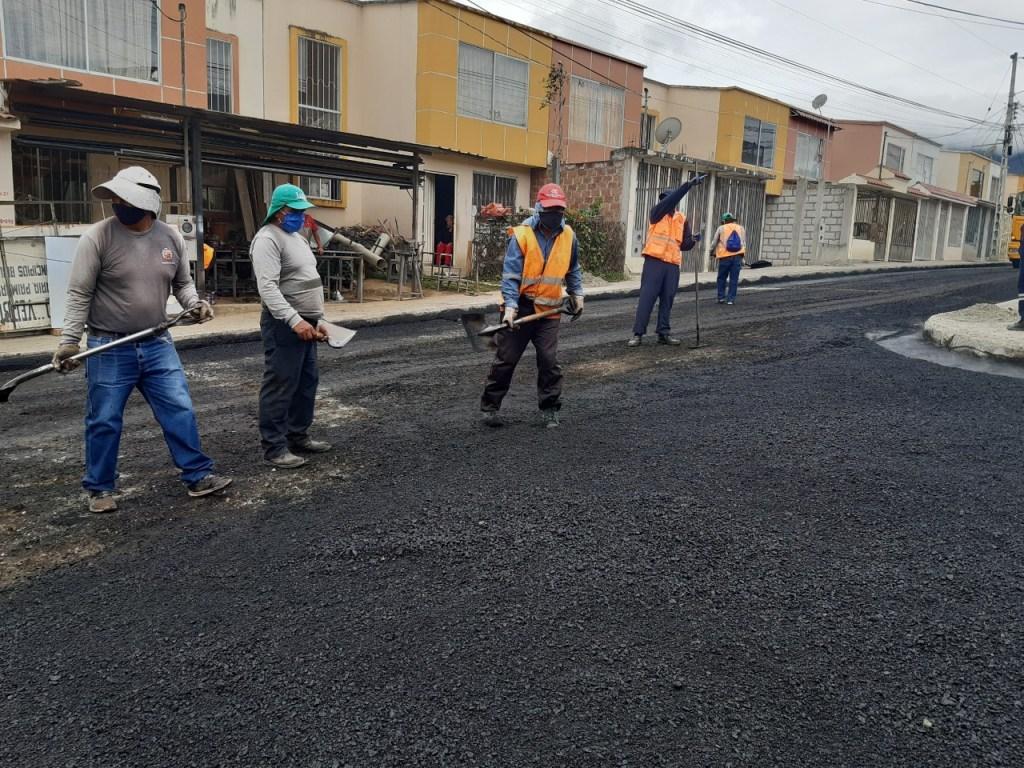 En barrios como Ciudad Alegría se ejecutó el asfaltado y sus moradores asumieron el costo mediante la modalidad de contribución especial por mejoras. (Foto archivo)