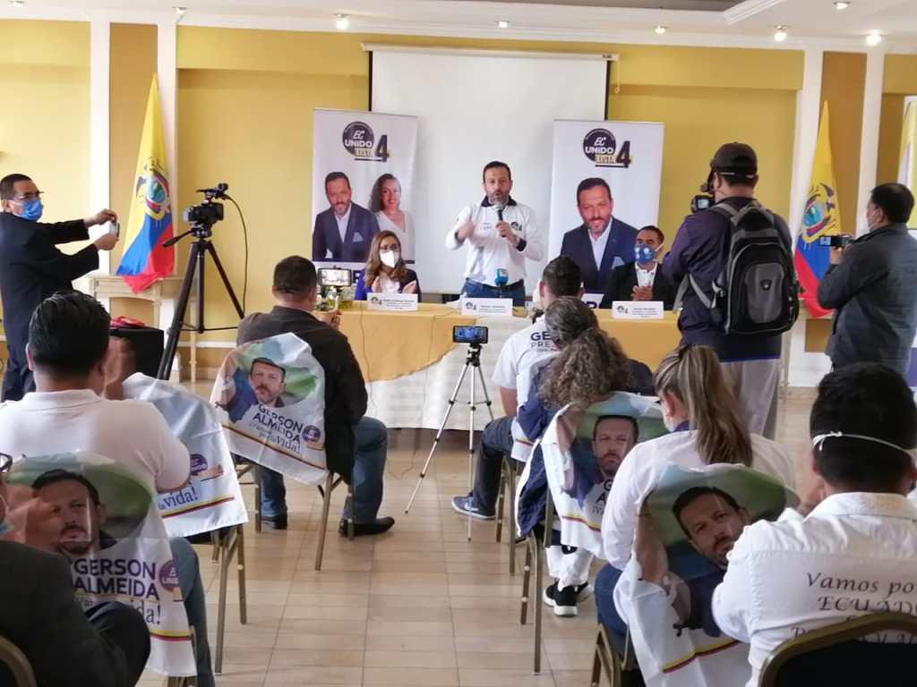 El candidato a la Presidencia sostuvo varios conversatorios y reuniones en esta ciudad.