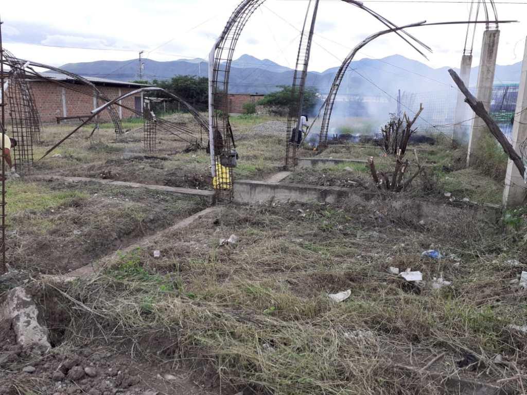 El esfuerzo de los socios, de la ciudadanía, del Municipio y la Prefectura de Loja quedó trunco, en el terreno de las calles 3 de Noviembre y Juan Montalvo.