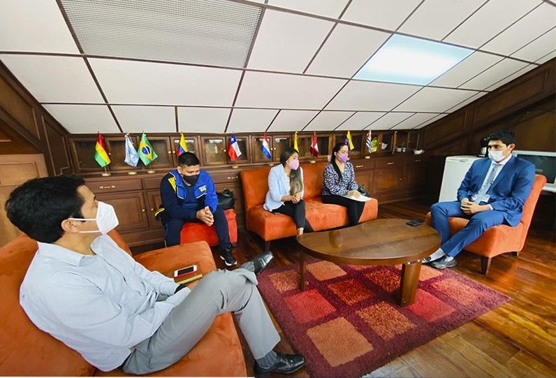 El diálogo se desarrolló en las instalaciones del estadio Reina del Cisne.