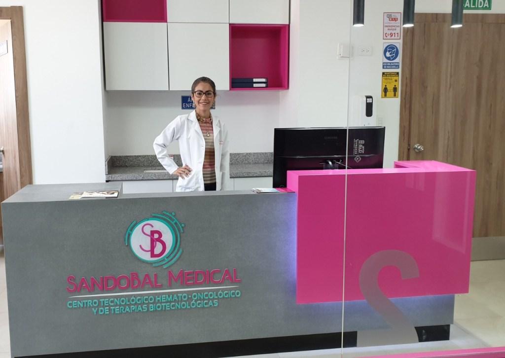 El Centro también cuenta el servicio de terapias de infusión que requieran administración parenteral de medicamentos y otros tratamientos, así como consultas hematológicas y oncológicas.
