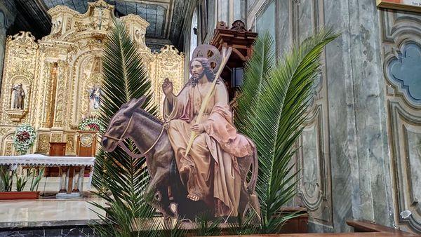 La comunidad católica vive la celebración de la Semana Mayor.