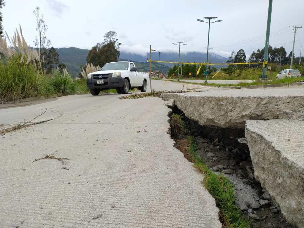 El daño se registra cerca al redondel de la UNL.