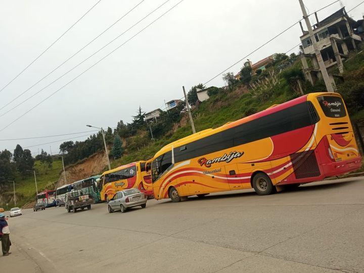 Los buses continuaron apostados en algunas arterias, pero no se obstaculizó el paso.