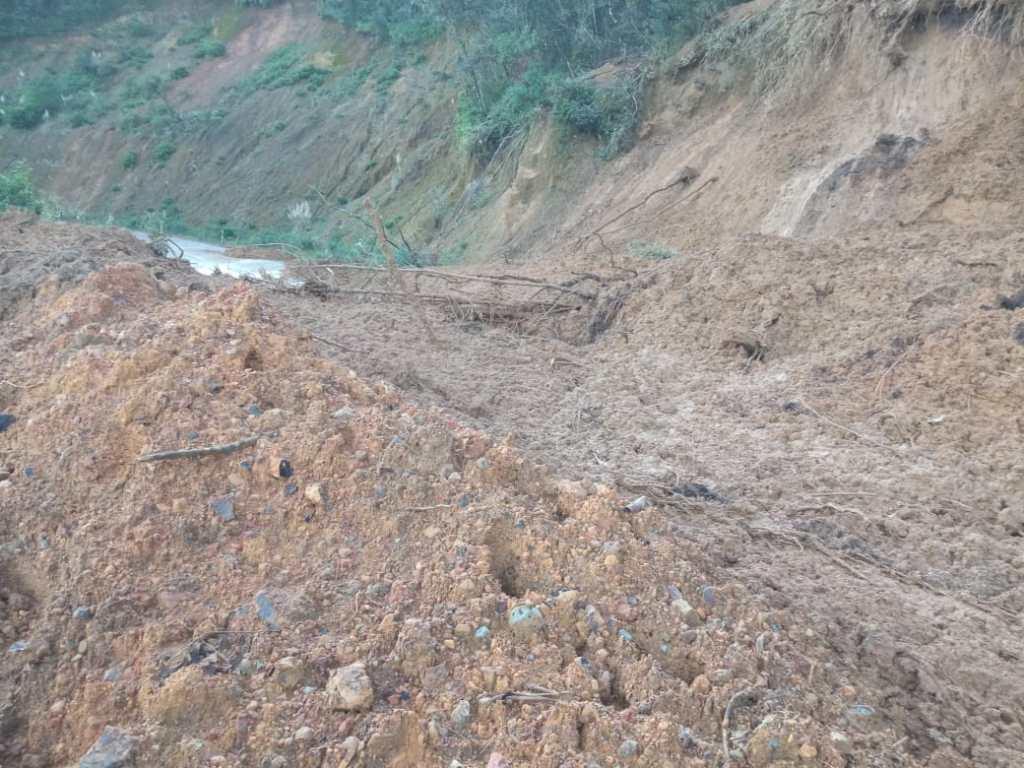 Las lluvias arremeten contras las vías de la provincia.