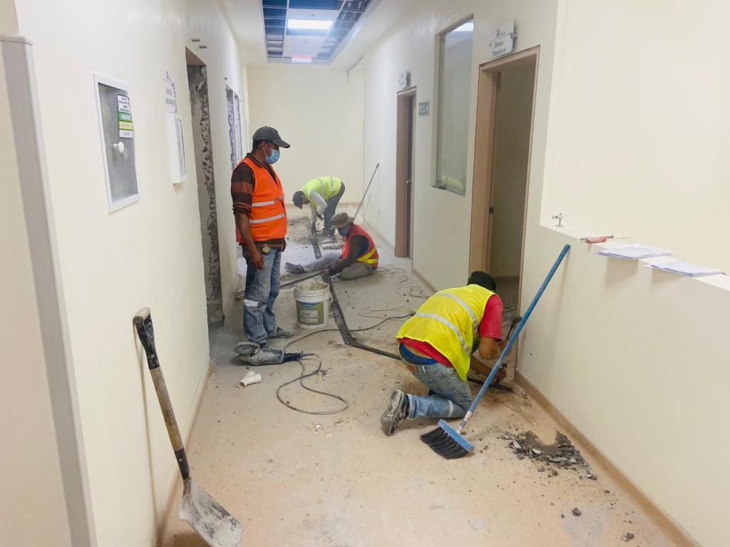 Los trabajos para adecuar el área de UCI se realizan desde el pasado 6 de abril.