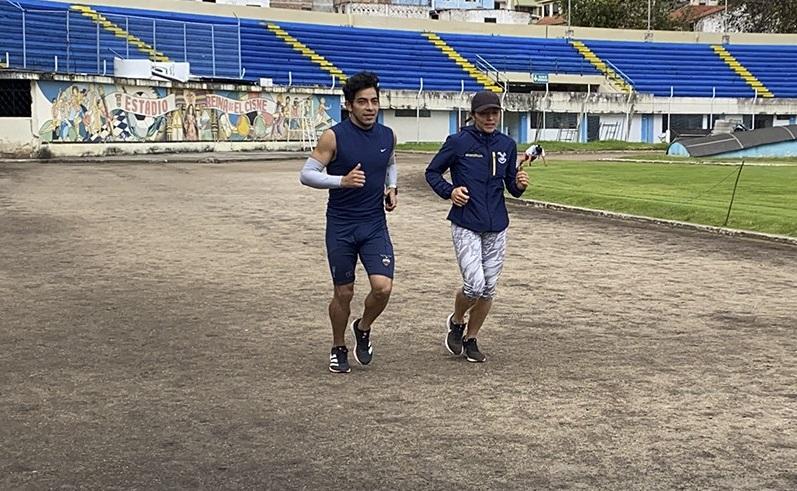 Ellos son dos de los cinco deportistas que esperan buenos resultados en este torneo.