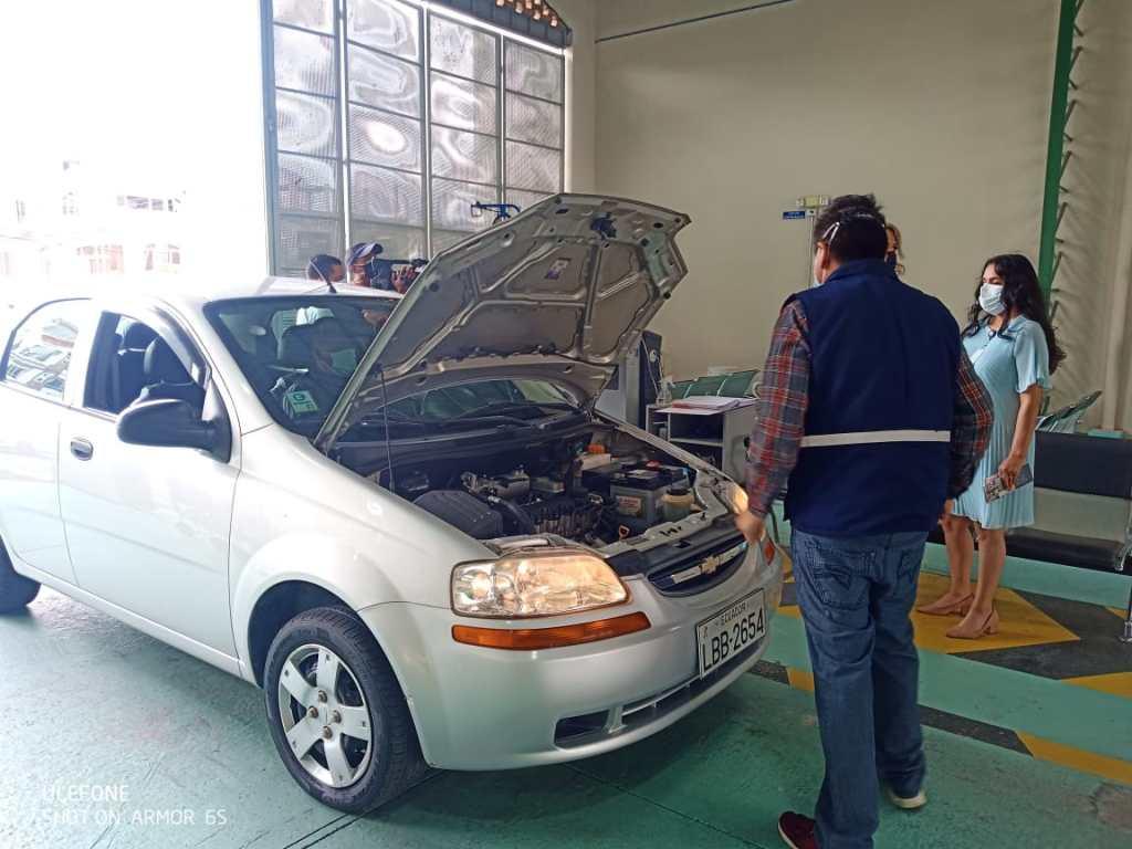 La revisión técnica mecánica de los vehículos es minuciosa.