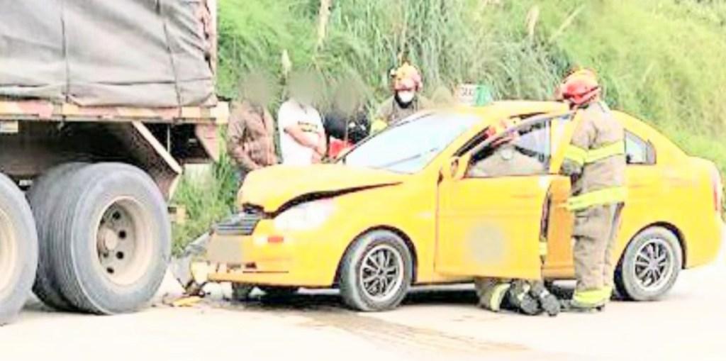 El conductor se golpeó el rostro.