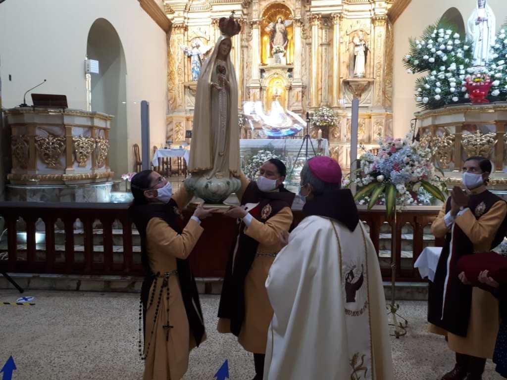 La misa fue presidida por Monseñor Manuel Valarezo, Obispo Emérito de Loja.