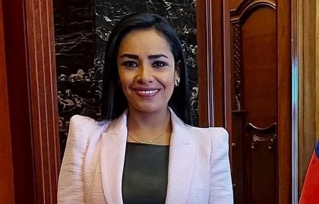 La flamante presidenta del Cordicom fue asambleísta y concejala de Loja.