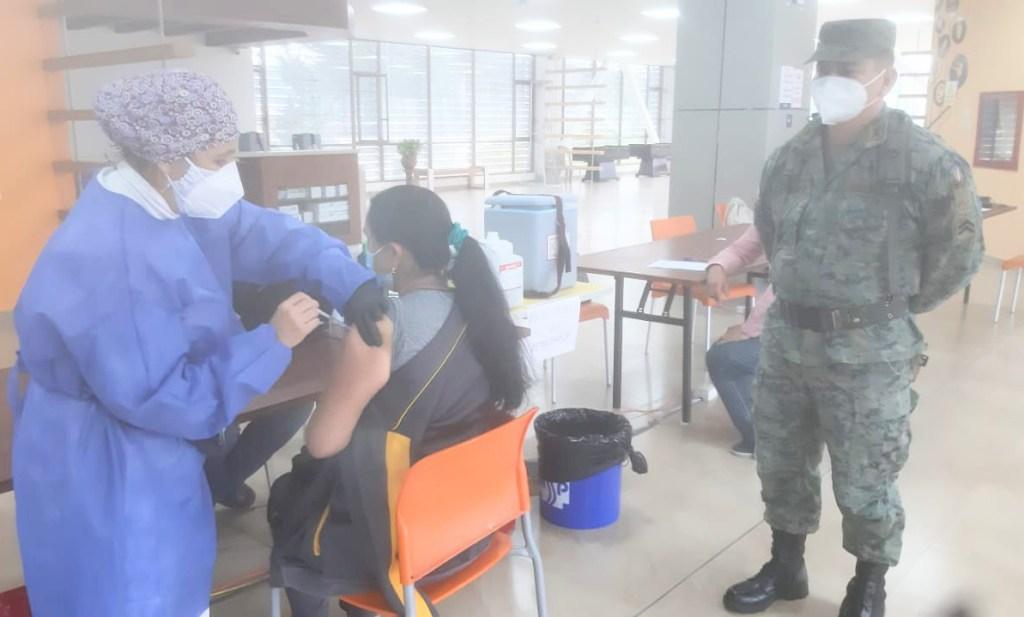 Los soldados colaboran con el Ministerio de Salud Pública.