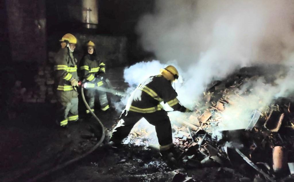 Los bomberos de las estaciones Malacatos y Vilcabamba intervinieron.