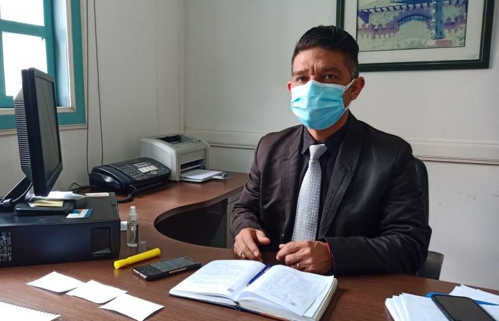 Víctor Japón Orellana es abogado de profesión y policía en servicio pasivo.