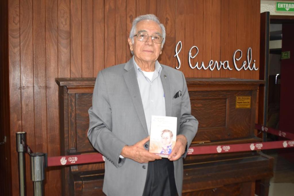 Félix Paladines, expresidente de la CCE-L, es autor de varias publicaciones, como Ecuador, orígenes del subdesarrollo; La fuga de cerebros; Los oradores lojanos, entre otras.