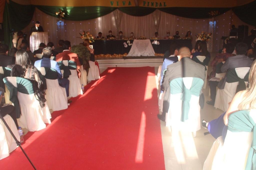 La sesión solemne se cumplió con la presencia de autoridades e invitados especiales.
