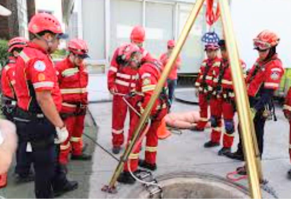 La selección de los bomberos para que viajen a Colombia es minuciosa.