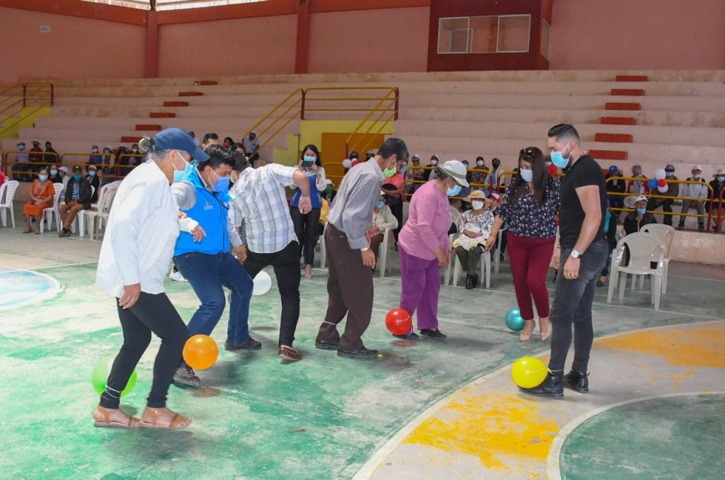Los adultos mayores participaron de diversas actividades.