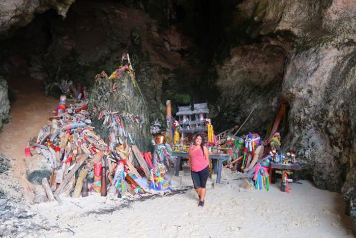 Musy cueva de Phran nang