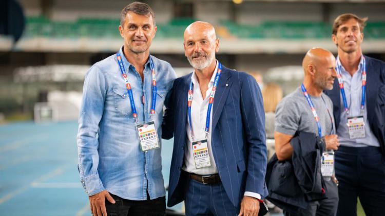 ¿Cuánto mide Paolo Maldini? - Altura - Real height Paolo_maldini_bersama_dengan_stefano_pioli-169