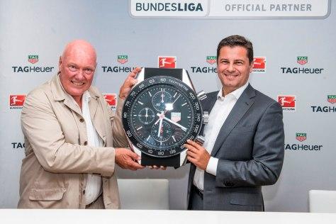 Jean Claude Biver, CEO de TAG Heuer, y Christian Seifert, CEO de Bundesliga