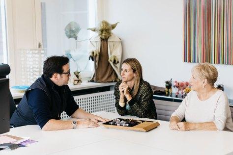 François-Henry Bennahmias, Director General de AP, con Caroline Bucci y Jacqueline Dimier