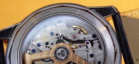 Jaeger-LeCoultre Geophysic Universal Time calibre 772 - detalle del GyroLab