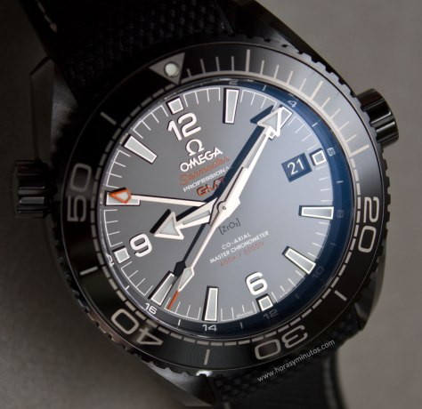 Omega-Seamaster-Planet-Ocean-Deep-Black-21-Horasyminutos