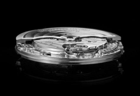 Pre-Baselworld-2016Girard-Perregaux-Laureato-calibre-3300-Horas-y-Minutos