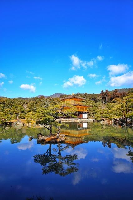 金閣寺の鏡湖池(きょうこち)