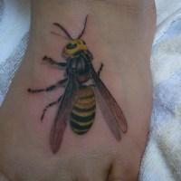 スズメバチのタトゥー画像