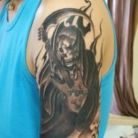 死神とベースのタトゥー画像