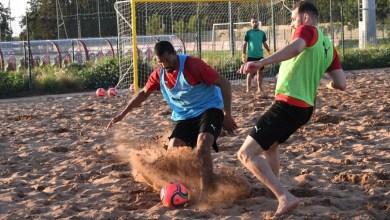 صورة المنتخب الوطني لكرة القدم الشاطئية يواجه نظيره الإماراتي وديا