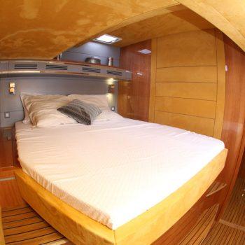 XENIA 50 Privilege Catamaran Crewed Charter Yacht From Horizon