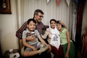 Nasrin Sotoudeh with her family after being released from prison