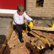 Good co-ordination on the digger