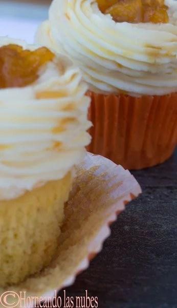 cupcakes de naranja y melocotón