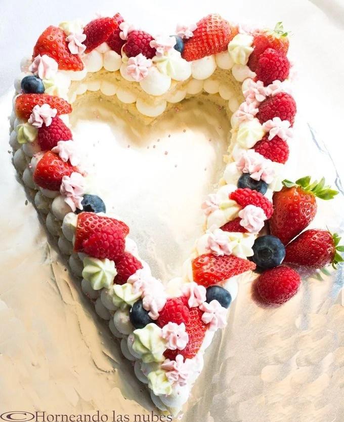 Tarta corazón con frutas