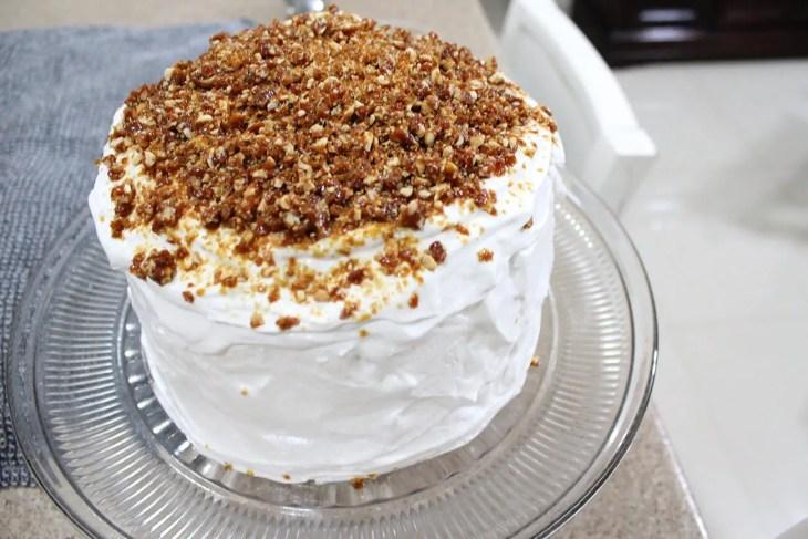 Pastel de vainilla con praliné de almendras receta