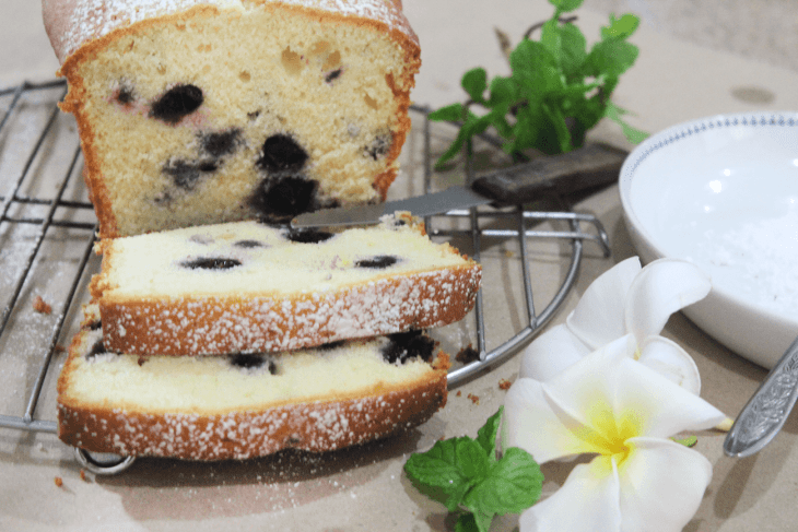 An easy blueberry pound cake recipe
