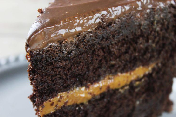 How to make mayonnaise chocolate cake