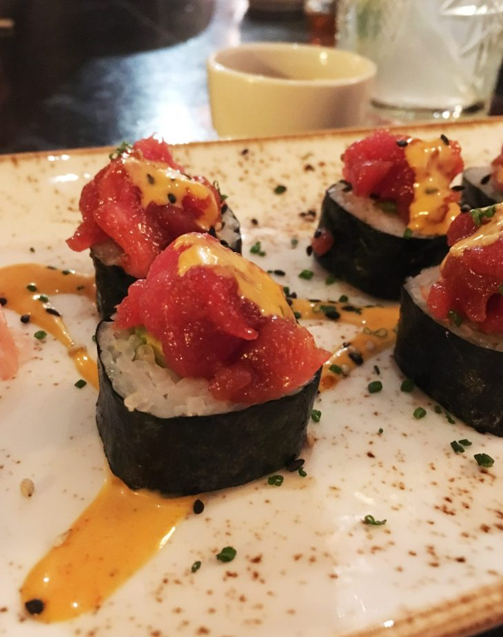 Spicy tuna maki roll, in madame sushita