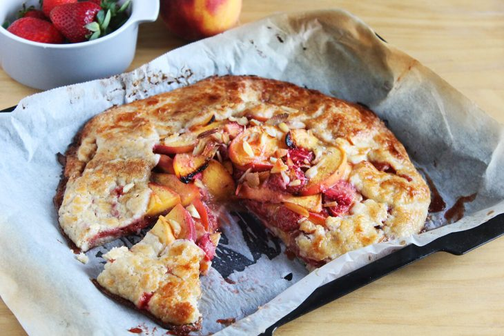 Galette receta casera de fresa y melocotón
