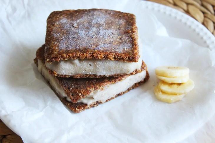 Sandwich de helado de plátano