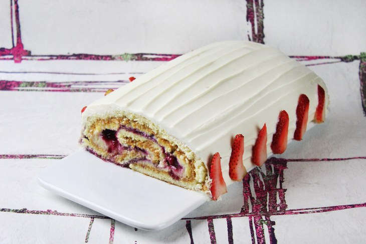 Berries and dulce de leche cake roll