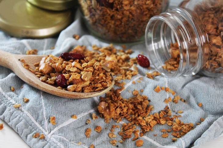 Crisp and delicious granola recipe