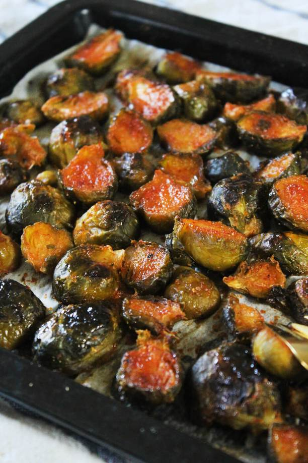 Honey sriracha roasted brussels sprouts recipe