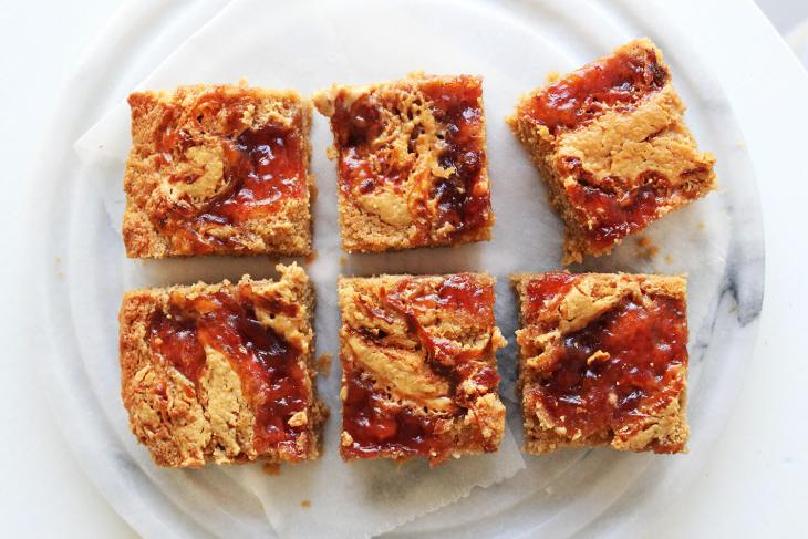 How to make peanut butter and jelly blondies