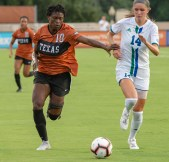 Tecora Turner #10 in complete control on this drive!
